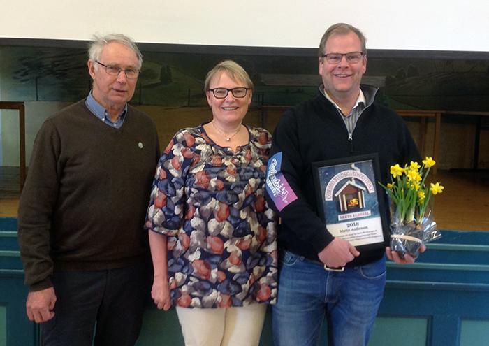 Göran Selander från Sveaborgs bygdegård tilldelades silvernålen efter 40 som aktiv, Kristina Haglund, ordförande i distriktet och Martin Andersson som tilldelats den första Årets eldsjäl